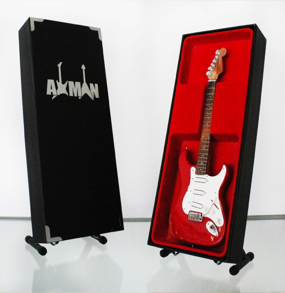 (Thin Lizzy) Gary Moore: Red Stratocaster - Miniature Guitar Replica (UK Seller)